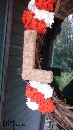 DIY Burlap-Wrapped Letter   DIYfaerie