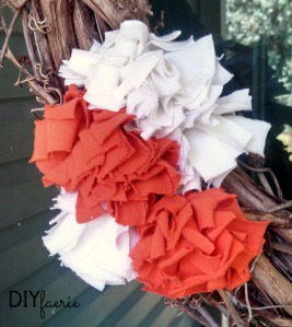 DIY T-Shirt Flowers | DIYfaerie