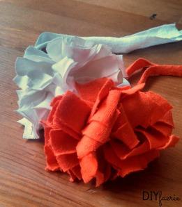 DIY T-Shirt Flowers   DIYfaerie